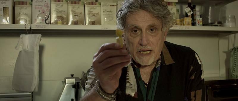 Nemici - foto di scena - Andrea Roncato nella parte di un droghiere