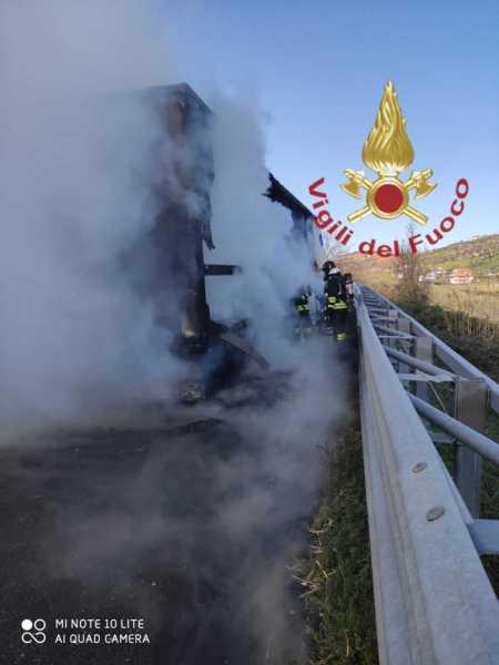 incendio-a14-camion-1