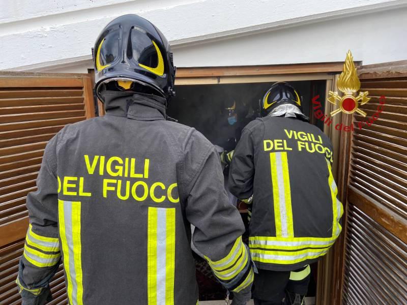 incendio-casa-via-savonarola-1