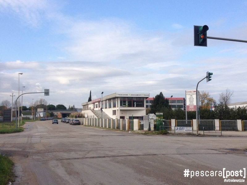 Foto incrocio via po via tevere zona metro a san giovanni for Magri arreda san giovanni teatino