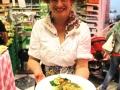 Irma Cauli con il piatto a base di fave e bietola.jpg