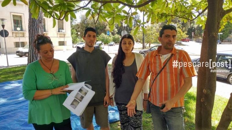 famiglia-tenda-piazza-italia-protesta-1