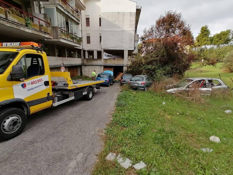 vigili-sequestro-auto-montesilvano-colle-3