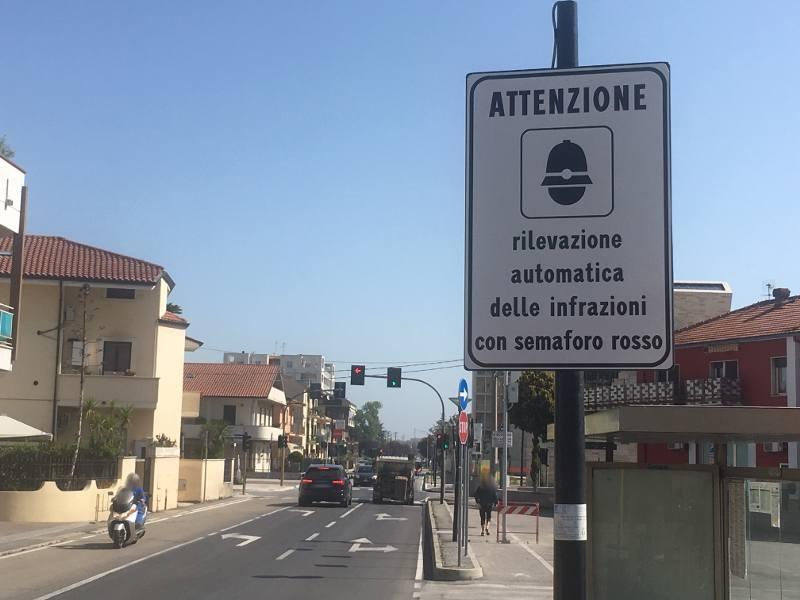 semaforo-telecamere-sambuceto-via-roma-via-cavour-1