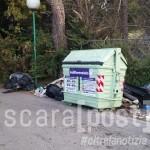Strada Colle Pineta rifiuti (4)