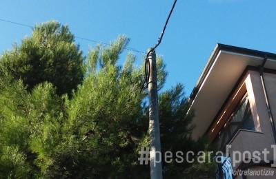 Viale Scarfoglio pali Enel (3)bis