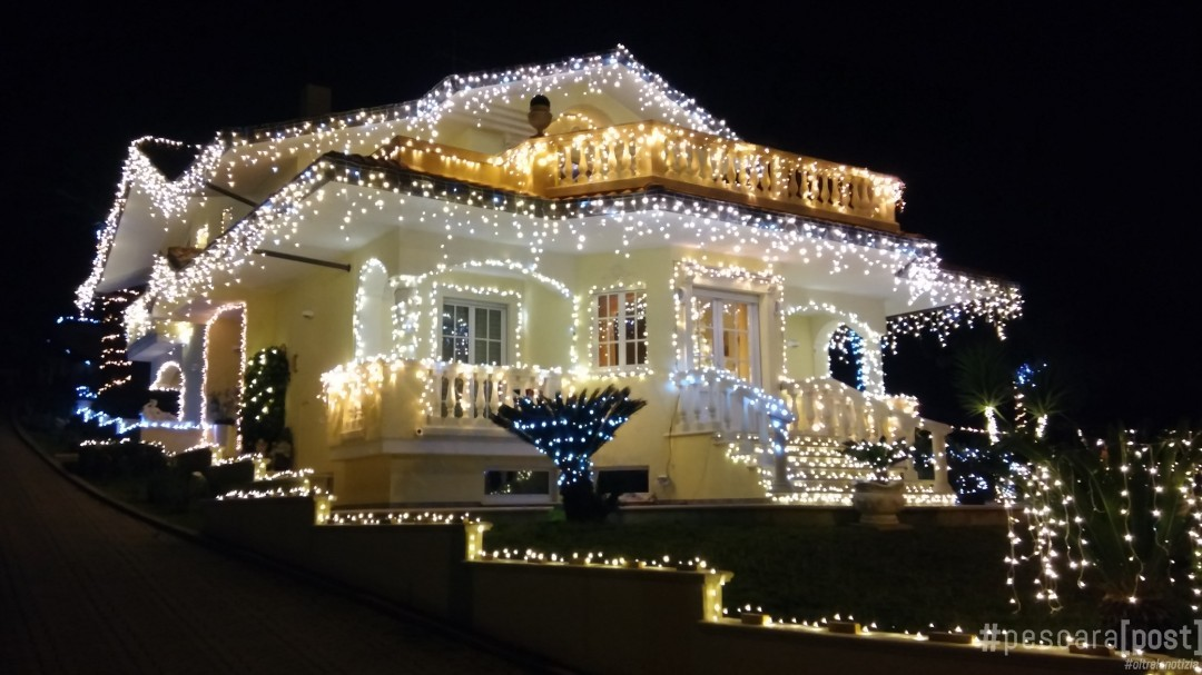 La casa dalle mille luci di natale a ortona ecco perch ogni anno cos illuminata foto - Luci di emergenza casa ...