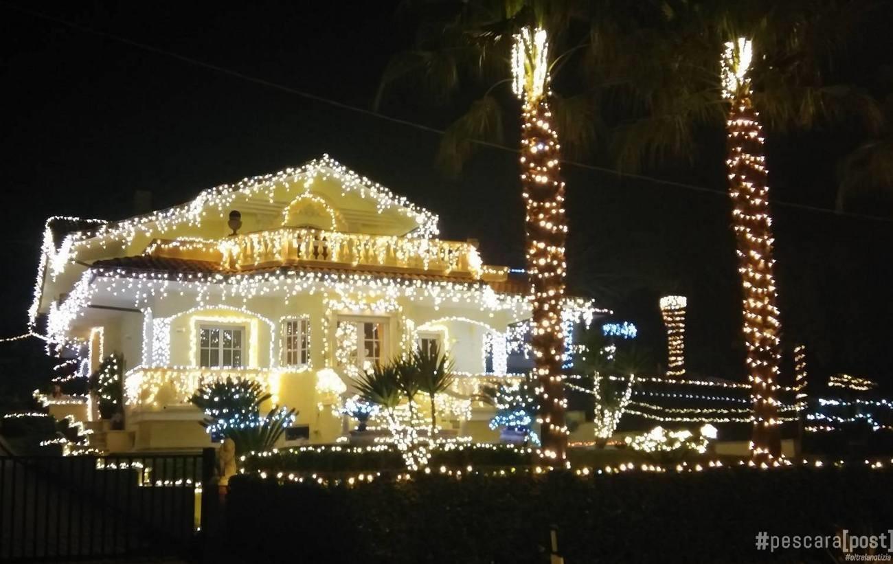 Casa lido riccio a ortona luci di natale e musica - Luci per la casa ...