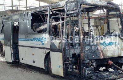 incendio autobus tua deposito