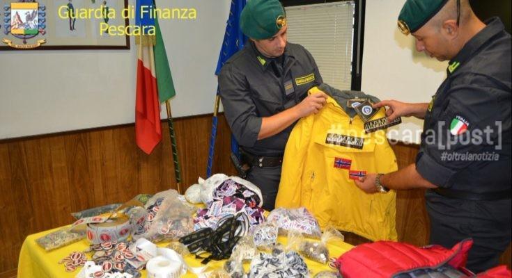 d66afa830e Abbigliamento falso nel mercatino sgomberato della stazione, 10 ...