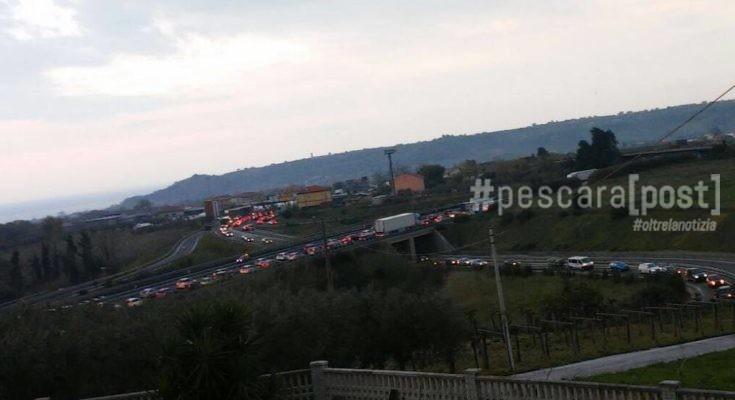 Traffico autostrada a14 code chilometriche la situazione for Traffico autostrade in tempo reale