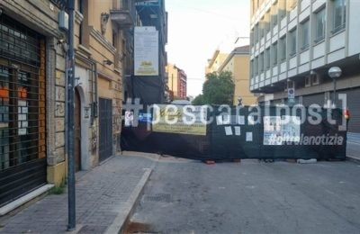 via dei bastioni strada divisa in 2 per un cantiere (1)